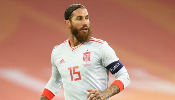 Sergio Ramos ha participado en solo siete partidos entre Real Madrid y la selección en lo que va del 2021. (Foto: AFP)