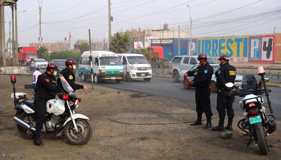Policía Nacional informa de la situación de las carreteras en el país tras levantamiento de paro de transportistas de carga.  (Foto: Hugo Curotto / @photo.gec)