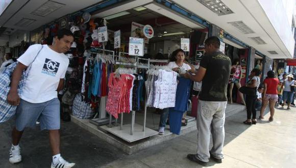 El mayor poder adquisitivo de los peruanos permite que gasten más en retail. (Rafael Cornejo)