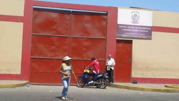 INVESTIGAN. Ayer se efectuó una inspección en centro de menores. (Alan Benites)