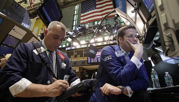 Wall Street también sufrió una vez más los efectos de la crisis europea. (AP)