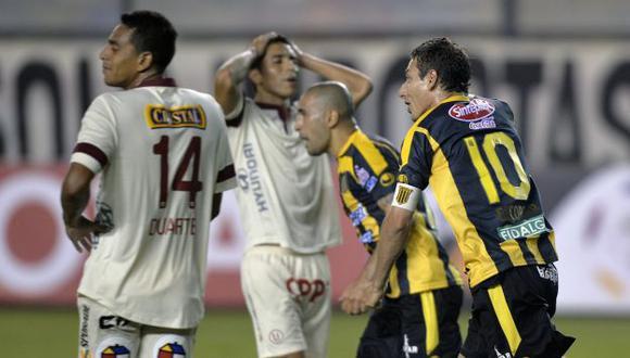 Universitario se quedaron dormidos y The Strongest le empató en el último minuto. (AFP)