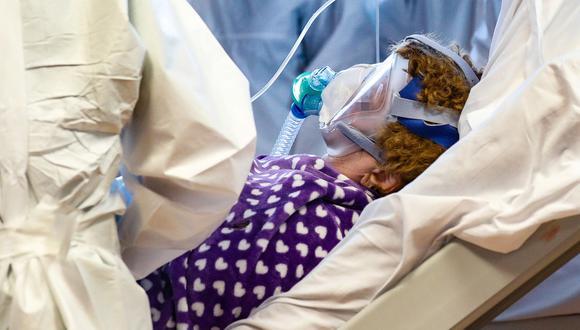 Contraer el coronavirus crea inmunidad durante al menos seis meses, según un estudio. (Foto: EFE).