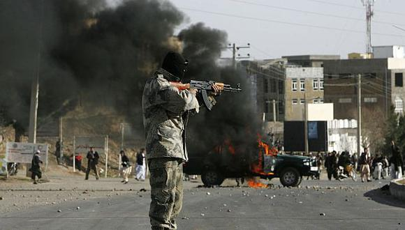La explosión también dejó a 19 civiles afganos heridos. (AP)