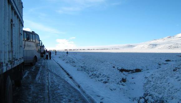 Intensa nevada cubre carreteras. (Difusión)