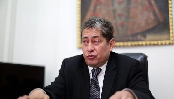 """""""Espero que la presidencia del TC nos alcance de inmediato la demanda porque que martes tenemos sesión"""", señaló Espinosa-Saldaña. (Foto: GEC)"""