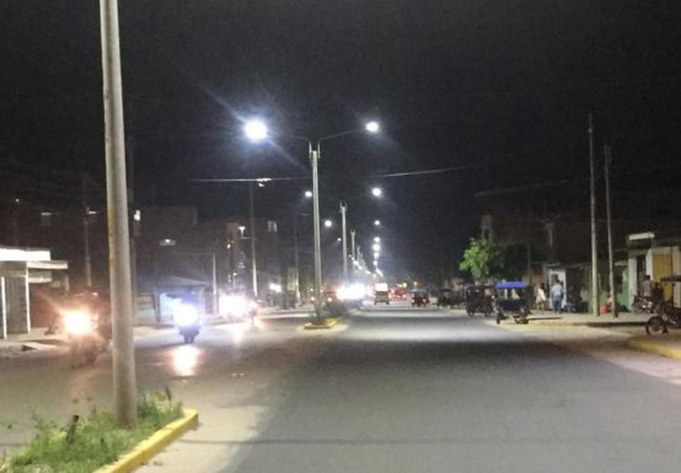 El gerente regional de San Martín, Freddy Bastidas, indicó que la iluminación tipo led es una apuesta por la sostenibilidad. (Foto: Electro Oriente)