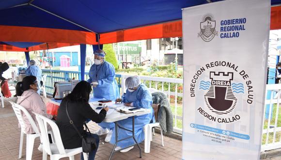 El Minsa informa que hay un avance del 71,10% del proceso de inoculación contra el COVID-19 a nivel nacional. Una de las regiones con mejor avance es el Callao. (Foto: Diresa Callao)