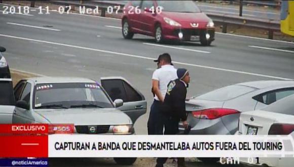 Policía Nacional capturó a sujetos que se dedicaban a robar autopartes (Foto: Captura/América Noticias)