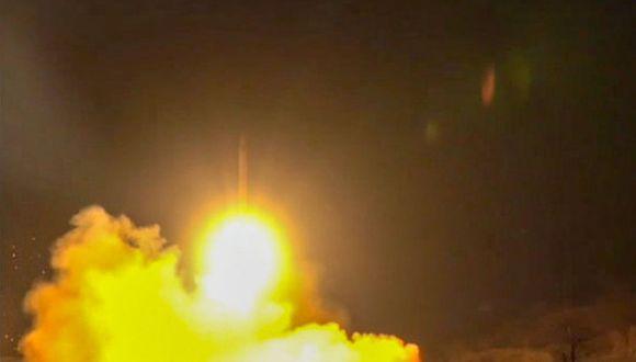 Cuatro cohetes chocaron contra la base aérea de Irak albergando tropas estadounidenses: fuentes militares. (Foto referencial: AFP)