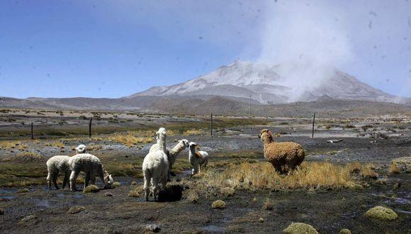 Expertos del IGP recomendaron mantener el nivel de alerta naranja en el volcán Ubinas. (Foto: GEC/Archivo)