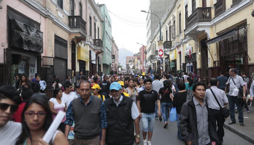 Centro de Lima está abarrotada de gente. (Nancy Dueñas)