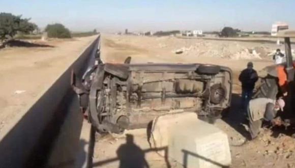 Arequipa: Camioneta en la que viajaba director de Hospital de Camaná junto a otros cinco profesionales volcó.