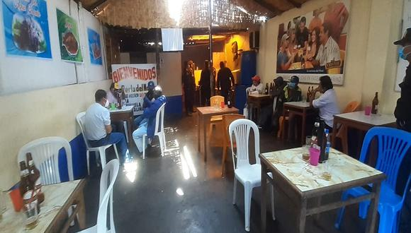 Intervienen a diez personas consumiendo licor en cevichería a puertas cerradas (Foto: Municipalidad del Santa).