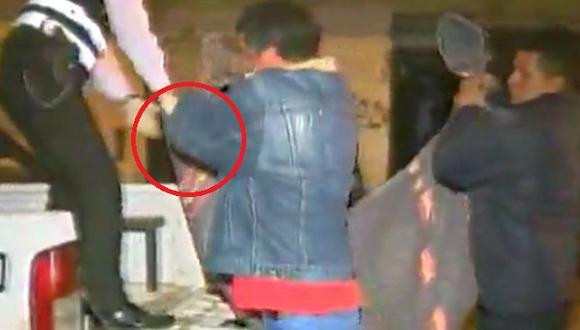 El cuerpo del difunto fue hallado varios días después del asesinato . (América TV)