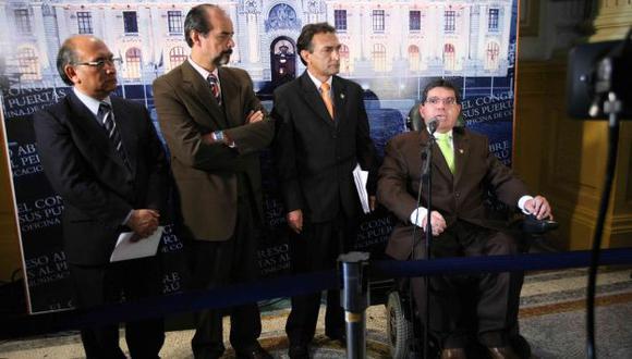 SE ROMPIÓ EL CONSENSO. Oposición acusó al oficialismo de petardear la elección del nuevo defensor. (Luis Gonzáles)