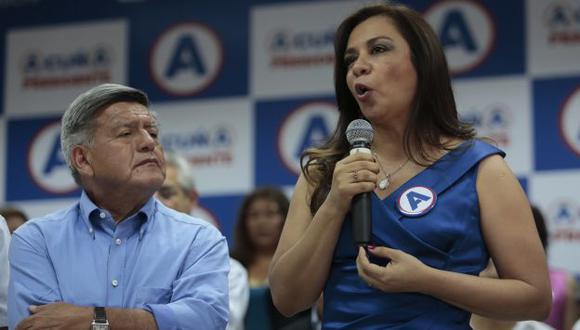 Marisol Espinoza dijo que profesor plagiado por César Acuña es aprista. (Perú21)