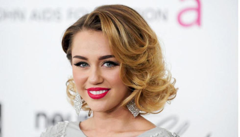 La cantante Miley Cyrus utilizó sus redes, nuevamente, para promocionar su nuevo álbum. (Foto: EFE)