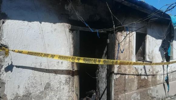 Ayacucho: la policía y los bomberos, hallaron el cuerpo del menor carbonizado en el interior de la vivienda siniestrada. (Foto: PNP)