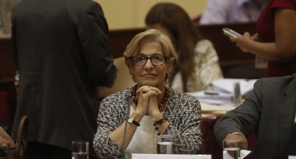 Villarán responde a comisión del Parlamento en sesión reservada. )FOTO: GEC/Renzo Salazar)
