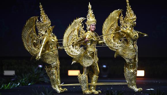 On-anong Homsombath, representante de Laos, se llevó 5 mil dólares al obtener el primer puesto por traje típico.  (Foto: AFP)