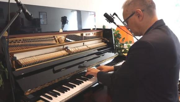 Pianista Pepe Céspedes se presenta en un video de la plataforma Pallqa Music para tocar jazz el 25 de enero. (Foto: Captura/Facebook/PallqaMusic)