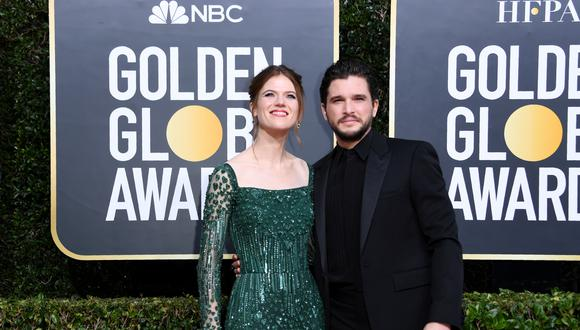 Rose Leslie y Kit Harington en la alfombra roja de los Golden Globes. (Foto: AFP)