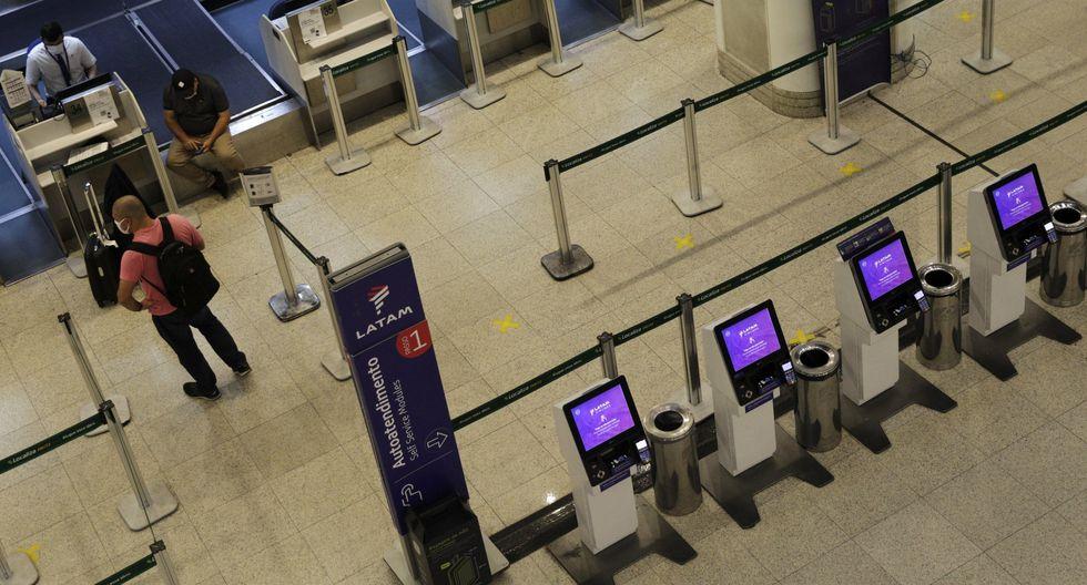 Aerolínea Latam anuncia la reanudación gradual de sus operaciones desde junio. (Foto: Reuters)