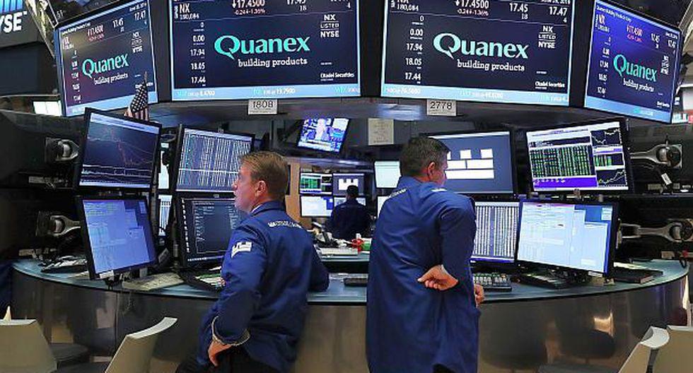 Los inversores en Estados Unidos siguen pendientes de las tensiones comerciales con China. (Foto: AFP)
