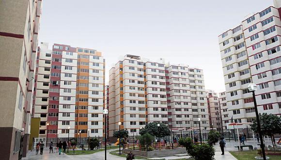 El Municipio Metropolitano de Lima prohíbe la ejecución de proyectos de vivienda social en los distritos de La Molina, San Isidro, Miraflores y en algunas partes de Surco, San Borja, Magdalena y Surquillo, señala el columnista.