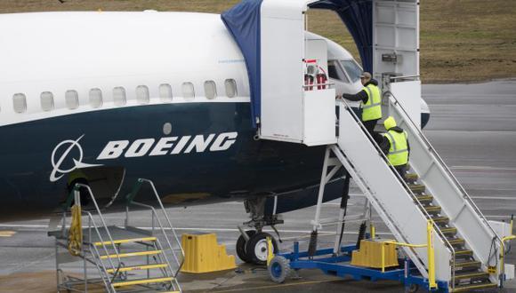 Boeing anunció además que ha desarrollado nuevos entrenamientos y materiales educativos que están siendo revisados por los reguladores con el fin de preparar la vuelta a las operaciones de los 737 MAX. (Foto: AFP)