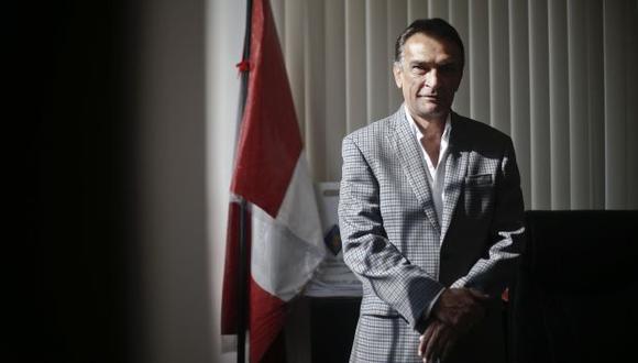 Héctor Becerril señala que jueces y fiscales son la piedra angular de la corrupción. (Renzo Salazar)