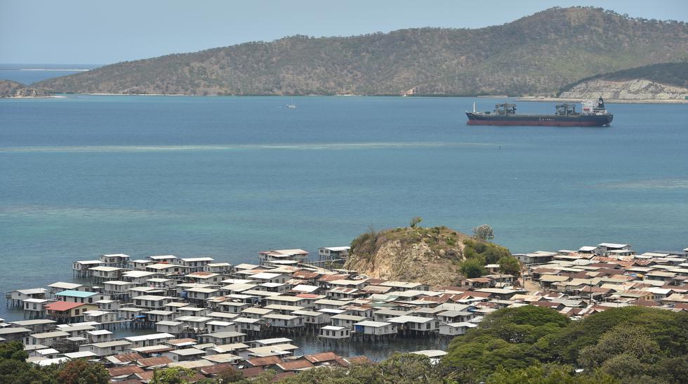 La vida de Kapera Patrick cambió cuando se mudó a Hanuabada, un 'santuario gay' en Port Moresby. Había sufrido una suerte de ataques tras declararse gay en Papúa Nueva Guinea. (AFP)