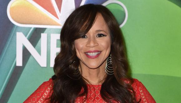 Rosie Pérez es una de las últimas incorporaciones a la lista de presentadores para la 78 edición de los Globos de Oro. (Foto: AFP)