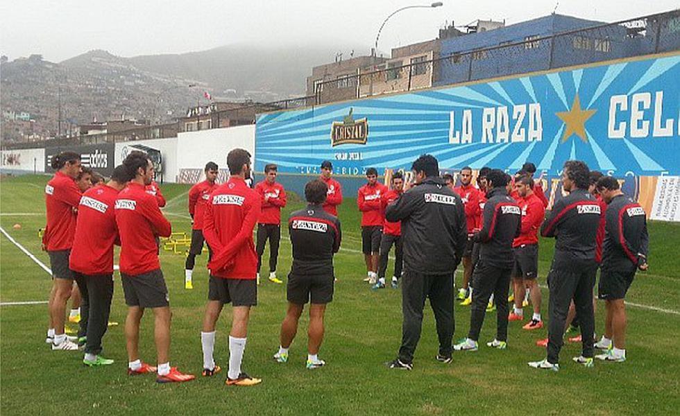 El Atlético de Madrid llegó anoche a nuestra capital y hoy entrenó en el complejo 'celeste' de La Florida. (Twitter: @atleti)