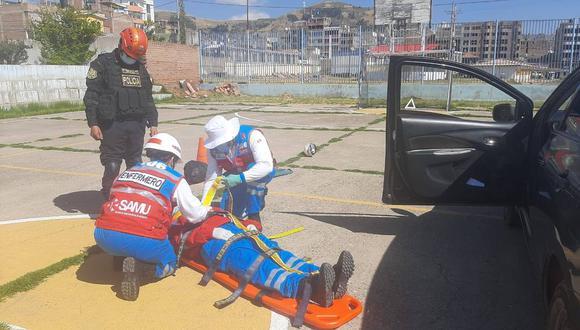 Capacitan a policías en el rescate de pacientes con poli traumatismos en tiempos del COVID-19 (Foto: Diresa Puno).