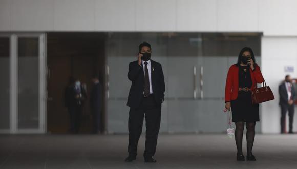 """Maneja todo. Castillo aseguró que a Vladimir Cerrón no se le vería """"ni de portero"""", pero es quien viene tomando decisiones en su gobierno. (César Bueno @photo.gec)"""