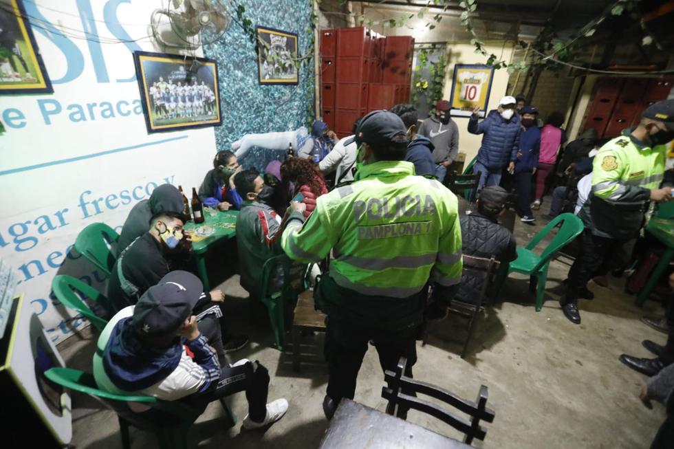 El establecimiento funcionaba luego del horario de toque de queda. (Foto: César Bueno/GEC)