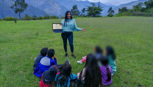 Huancavelica: joven difunde el quechua a través de charlas de orientación vocacional (Foto: Pronabec)