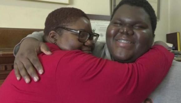 Dylan Chidick dejó a los 7 años su natal Trinidad y Tobago junto a su madre y hermanos en busca de un futuro mejor y una década después, la vida empieza a sonreírle. (Foto: CBS New York en YouTube)