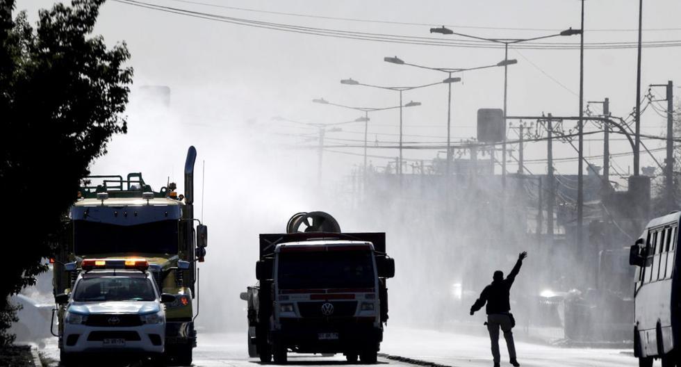 Imagen referencial del 6 de mayo de 2020. Roban un furgón de caudales en Santiago de Chile con casi dos millones de dólares. (EFE/Alberto Valdés).