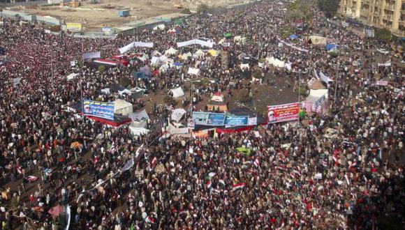 Los manifestantes volvieron hoy a la plaza Tahrir. (Reuters)
