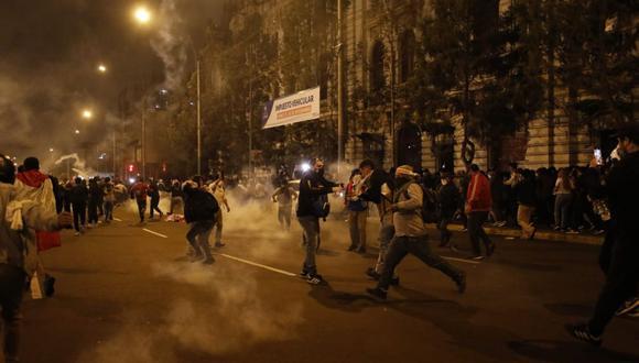 Dos jóvenes fallecieron durante las protestas ciudadanas contra el régimen de Manuel Merino. (GEC)