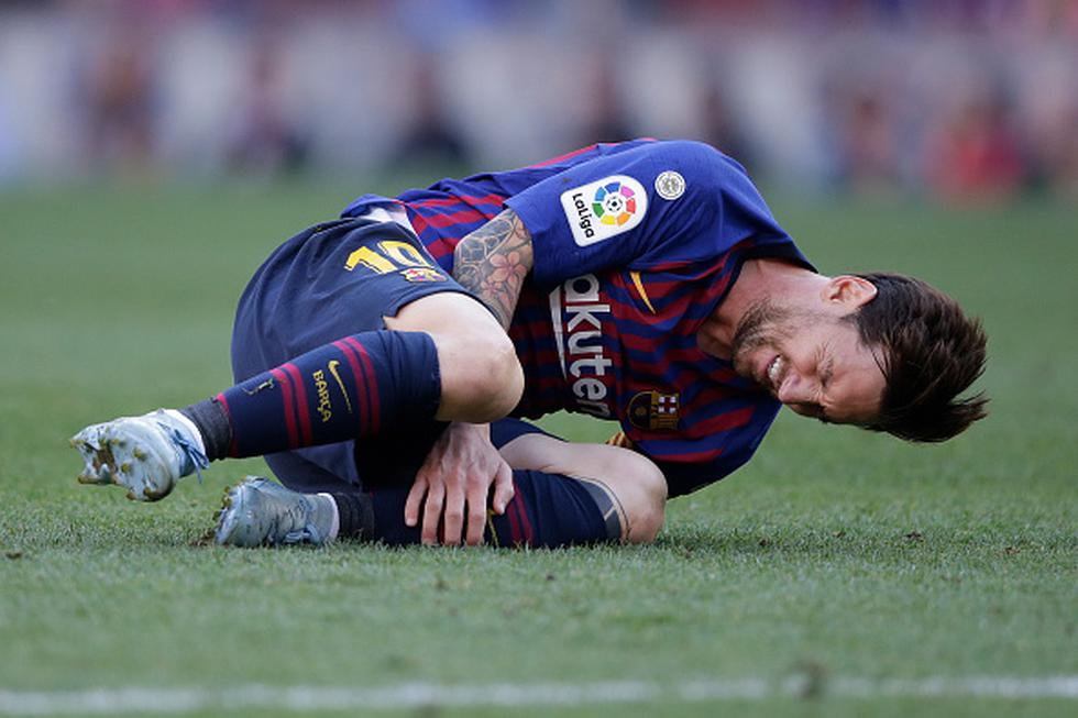 Lionel Messi se fue cambiado en el Barcelona por lesión. (GETTY)