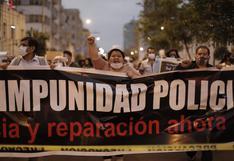 Ciudadanos participan en Marcha contra la impunidad policial en Plaza San Martín [FOTOS]