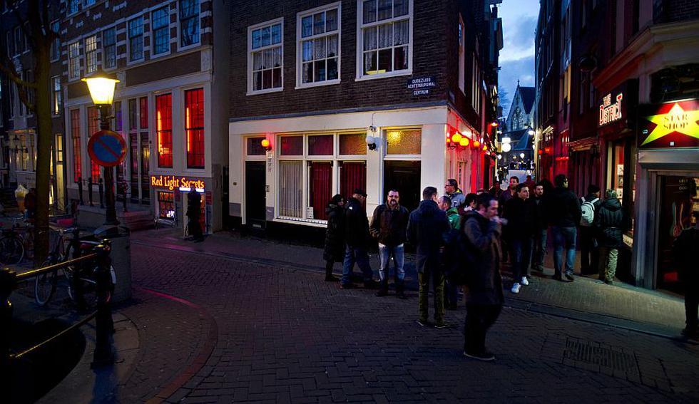 'Red Light Secrets' es el museo de la prostitución, que abrió hoy sus puertas en el Barrio Rojo de Amsterdam (Holanda). (AP)