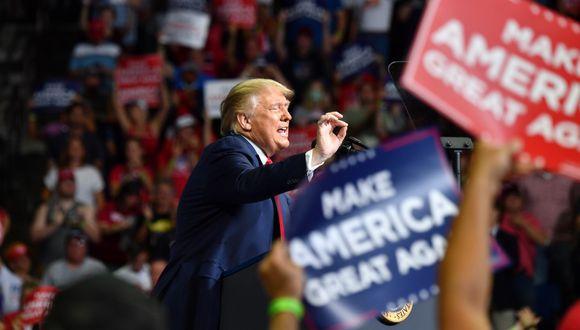 El presidente de los Estados Unidos, Donald Trump, habla durante un mitin de campaña en el Centro BOK en Tulsa, Oklahoma. (Nicholas Kamm / AFP)