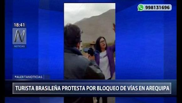 La turista brasileña tuvo que bajarse del bus y caminar para llegar a su destino. (Canal N)