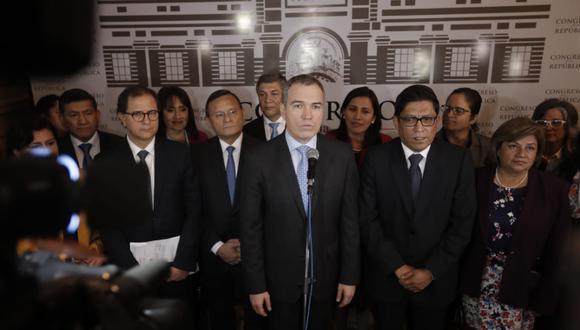 Al finalizar su discurso, Del Solar brindó una conferencia de prensa en Los Pasos Perdidos. (Foto: Renzo Salazar / GEC)