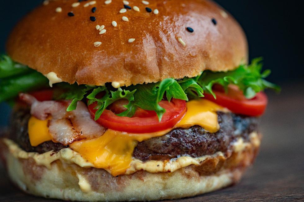 Les repas copieux sont attrayants, mais il ne faut jamais aller au point de regretter d'avoir trop mangé.  Mangez à satiété, jamais à satiété.  (Photo: Pexels)